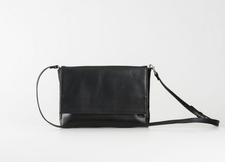 vegetable tanned leather Clutch
